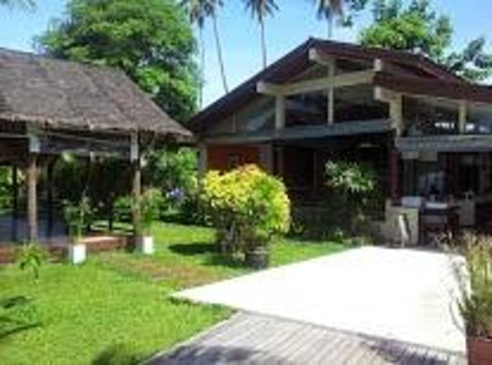 Samahita Retreat: Dining and rest area