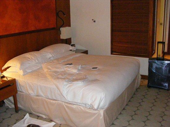Yas Island Rotana: Rooms