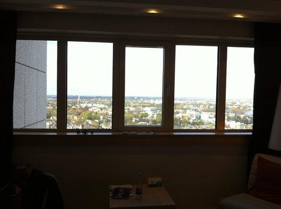Radisson Blu Hotel, Hamburg: View to the north from room
