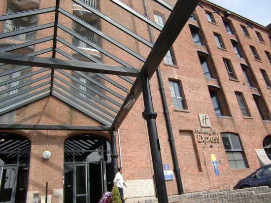 Holiday Inn Express Liverpool-Albert Dock : 入口