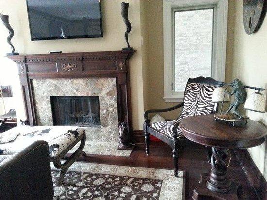 Villa D'Citta: detail of 2 bedroom suite fireplace