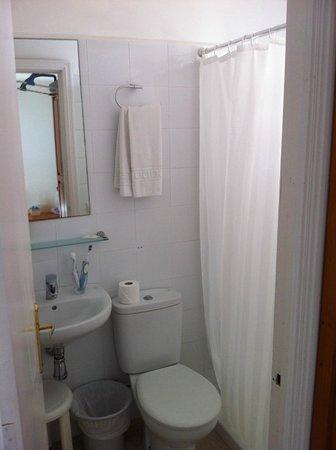 Hostal Dragonera: Salle de bain