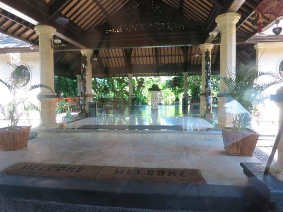 Hotel Vila Lumbung: Reception