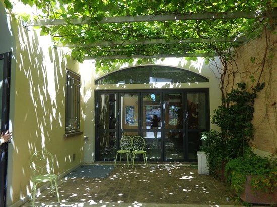 Cortile interno picture of casa di mare forli tripadvisor for Modello di casa all interno