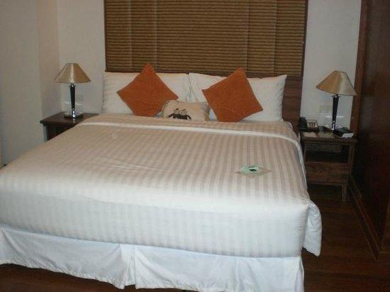 Column Bangkok: 3806 Bed