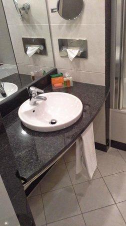 NH Danube City: Ванная комната