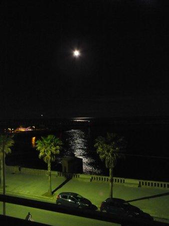 Vista Luna Piena dal Balcone Hotel Terminal