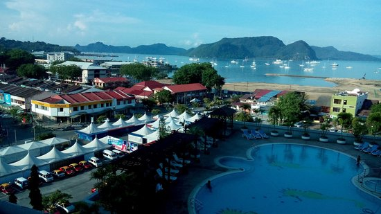 Bayview Hotel Langkawi: Outsiode View from Window of our Room