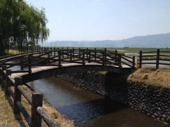 Asakura Three-stand Mill Wheel: 菱野の三連水車から水車公園への遊歩道