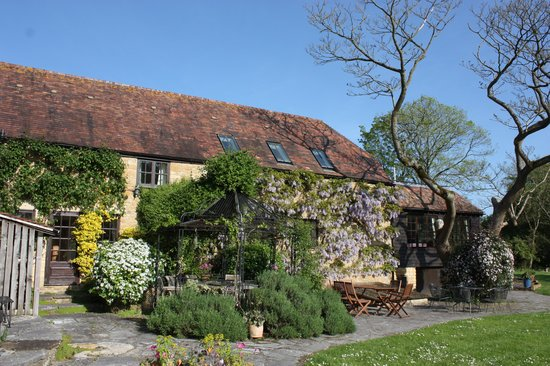 Cole Manor Tea Rooms: tranquil setting