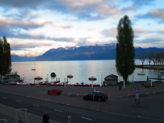 Hotel du Port : 部屋から望むレマン湖