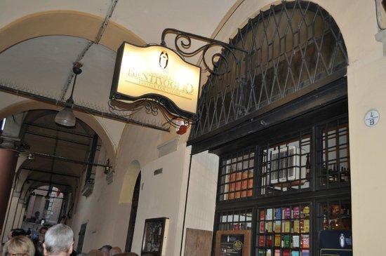 Cantina Bentivoglio : L'ingresso a via Mascarella Bologna