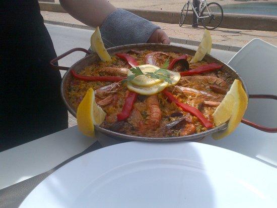 Cafe de la Riba: Paella