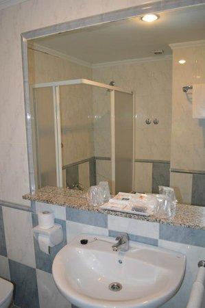 San Glorio Hotel: Baño Habitacion