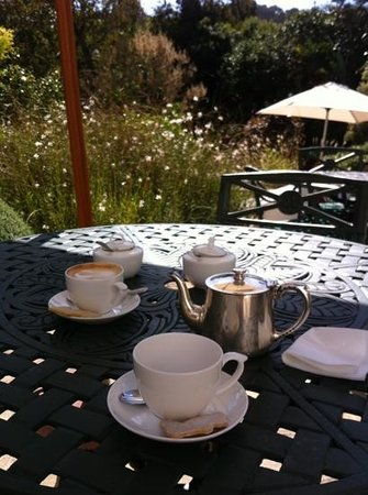 The Cellars-Hohenort: afternoon tea