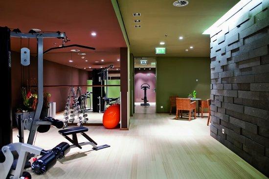 Radisson Blu Hotel Köln: Vitarium - Fitness and Workout Area