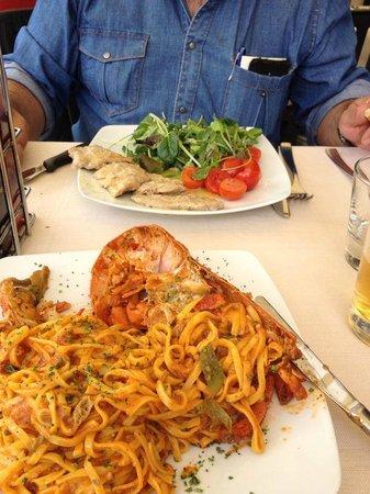 Trattoria Povoledo: Pasta con bogavante y escalopines al limón