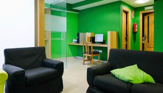 Nest Style Santiago: Centro de negocios