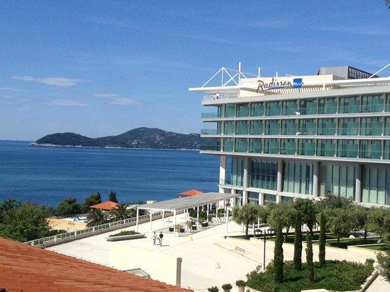 Sun Gardens Dubrovnik: vue terrasse de l'Hôtel Radisson Blu Resort & Spa 5*