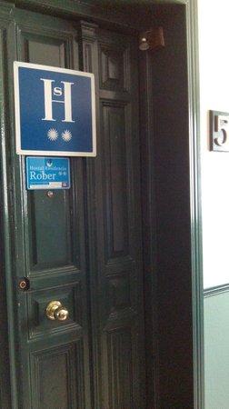 Hostal Rober : porta