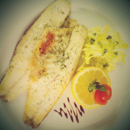 Royal Oak Inn: Pan Fried Sea Bass.
