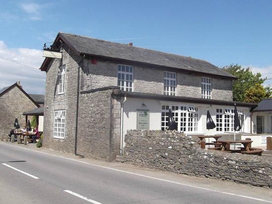 The Farmers Arms: The Farmers Arm (Pub on the Pond) St. Brides Major, Bridgend.