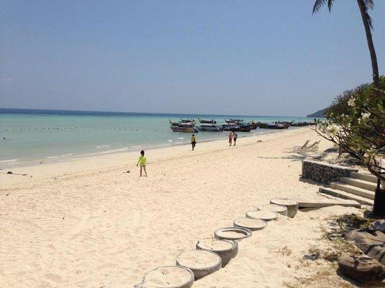 P.P. Erawan Palms Resort : Spiaggia