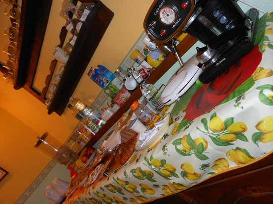 B&B A Casa di Virgilio: buffet