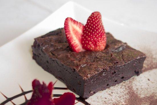 Saffron Contemporary Indian Cuisine : Triple chocolate brownie