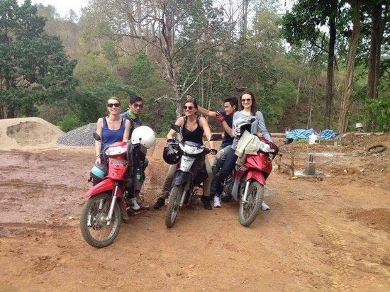 Something Different Tours: Treck en moto