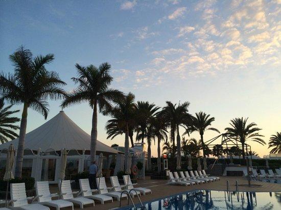 Hotel Riu Palace Maspalomas: Pool-View Richtung Nord-Osten