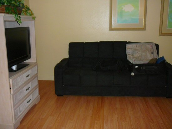 Island Hotel Port Aransas : Front Room w/Pull out couch