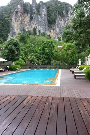 Aonang Phu Petra Resort, Krabi: Aonang Phu Petra Resort Pool area