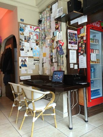 Second Home Hostel: Workstation.. internet... music! And a wall full of memories.