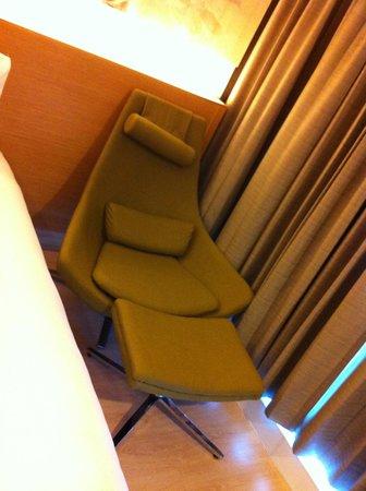 GLOW Pratunam: sofa