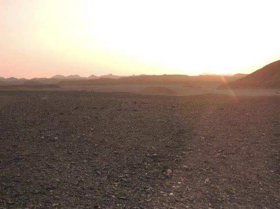 Magic Tulip Beach Resort: il deserto di Marsa Alam