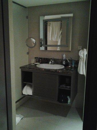 Pullman Marrakech Palmeraie Resort and Spa : salle de bain