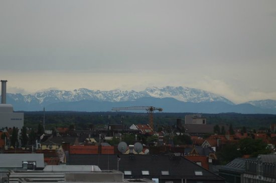 Sofitel Munich Bayerpost: The view of the Alps
