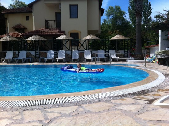 Beyaz Villas: On the pool