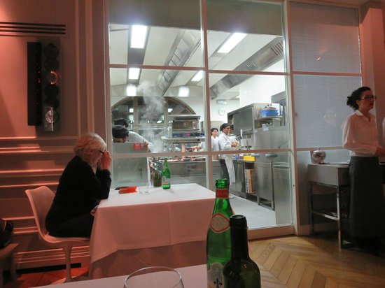 Ora d'Aria: Kitchen