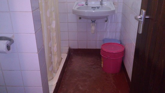 bulding bathroom tiles - Picture of Lutheran Uhuru Hotel