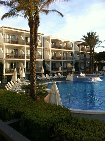 Inturotel Sa Marina : Reception block and pool