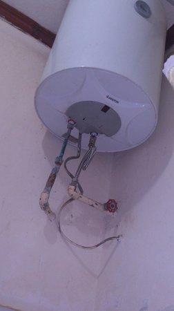Lutheran Uhuru Hotel Moshi: water boiler/heater