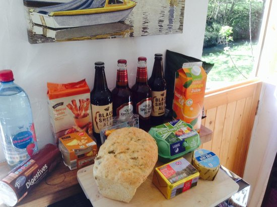 Eastshaw Guest House: A welcome pack at St Cuthbert's cottage