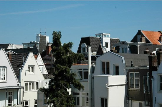 Amsterdam Downtown Hotel: Zoomed in view from room 203