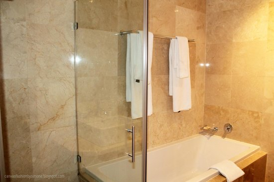 Urban Chic Boutique Hotel: Lovely Shower