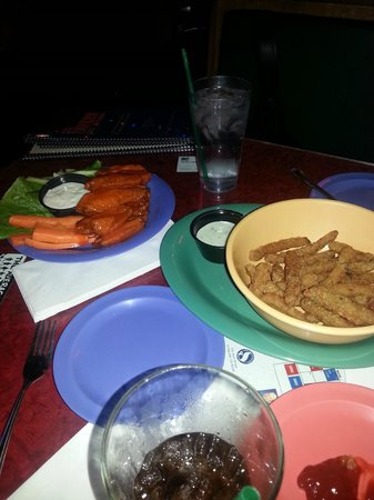 El Segundo, CA: Wings & Fried Green Beans