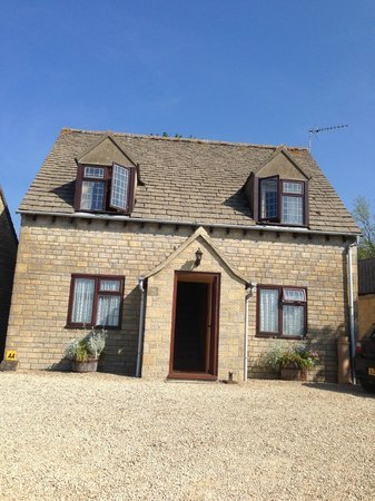 Corsham Field Farmhouse: So Cotswolds