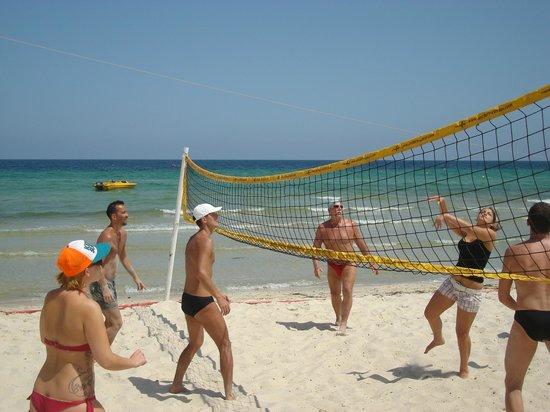 SunConnect One Resort Monastir : Интернациональный волейбольчик