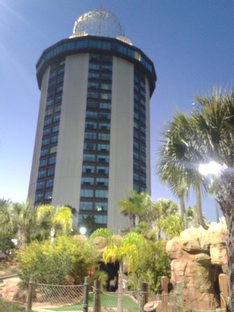 Four Points by Sheraton Orlando International Drive : Crazy golf next door